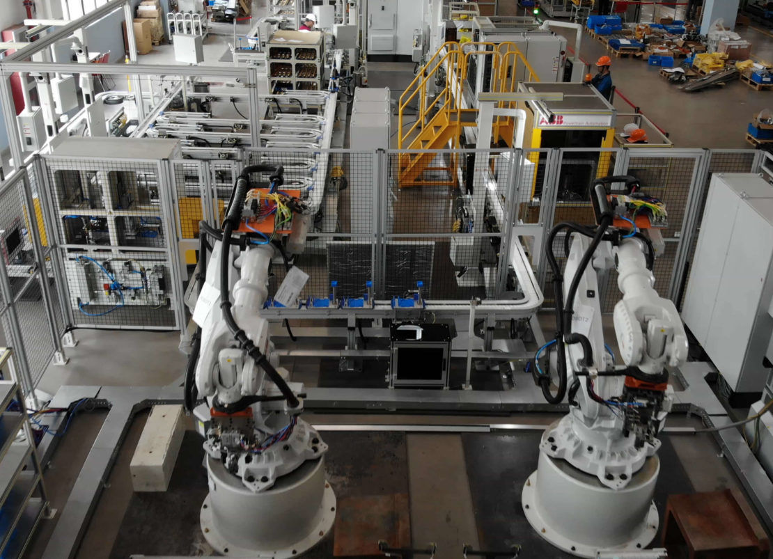 ASSEMBLY LINE WITH AUTOMATIC STORAGE ABB ROBOT