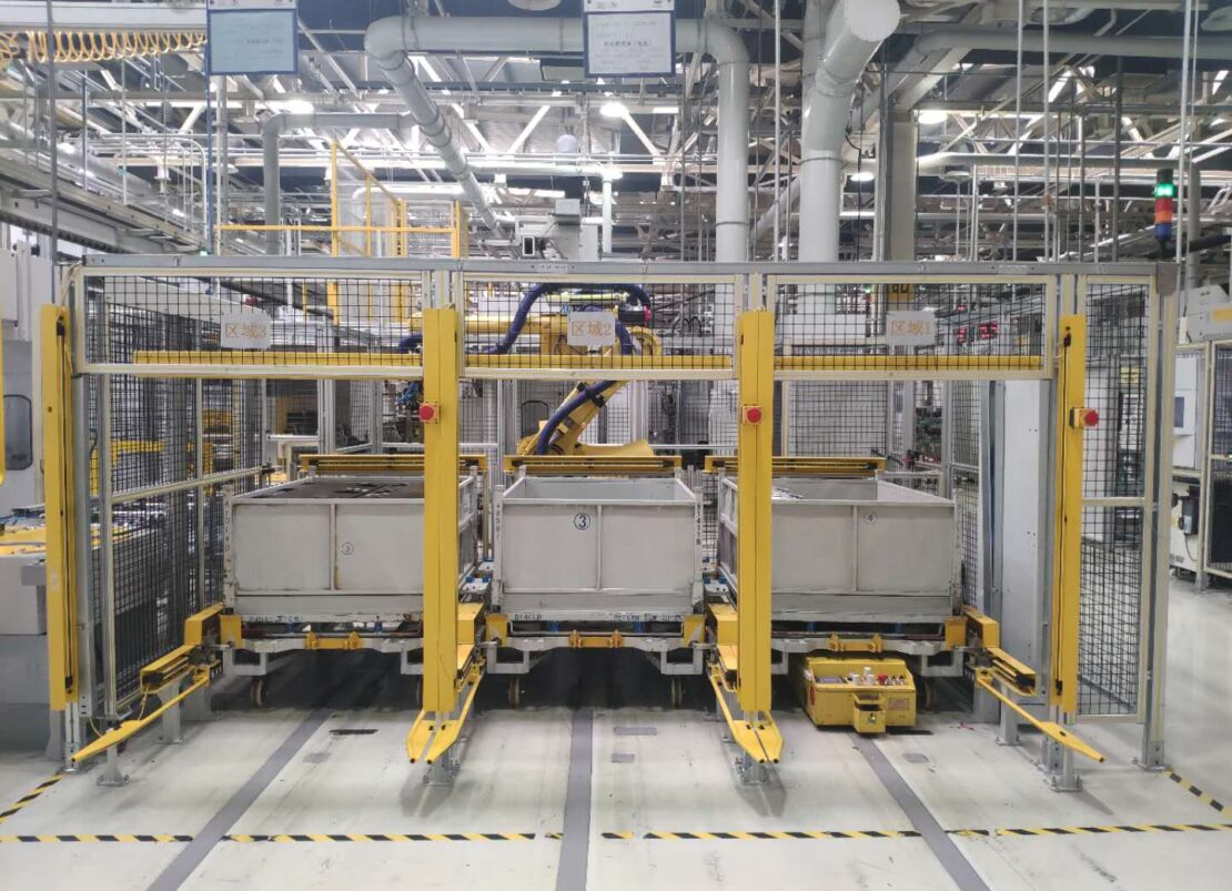 HOUSING ASSEMBLY FANUC ROBOT GENERAL MOTORS SHANGHAI